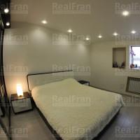 матовый потолок с встроенной подсветкой