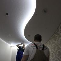 установка точечного освещения