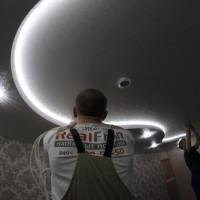натяжной потолок белая галактика
