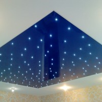 Звездное небо на глянцевом натяжном потолке