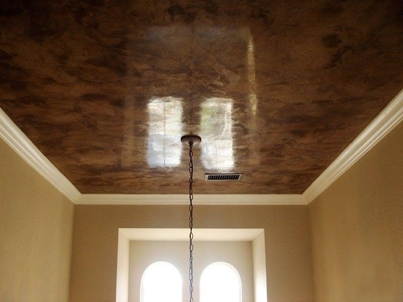 Как сделать рельеф на потолке краской