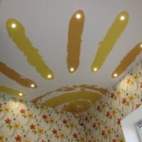 натяжной потолок с фото печатью солнце