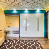 глянцевый потолок со светодиодным освещением с эффектом 3D