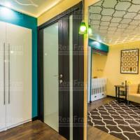 3D натяжной глянцевый потолок с подвесными светильниками