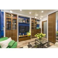 спальная дизайн комната с матовым натяжным потолком и точечным освещением