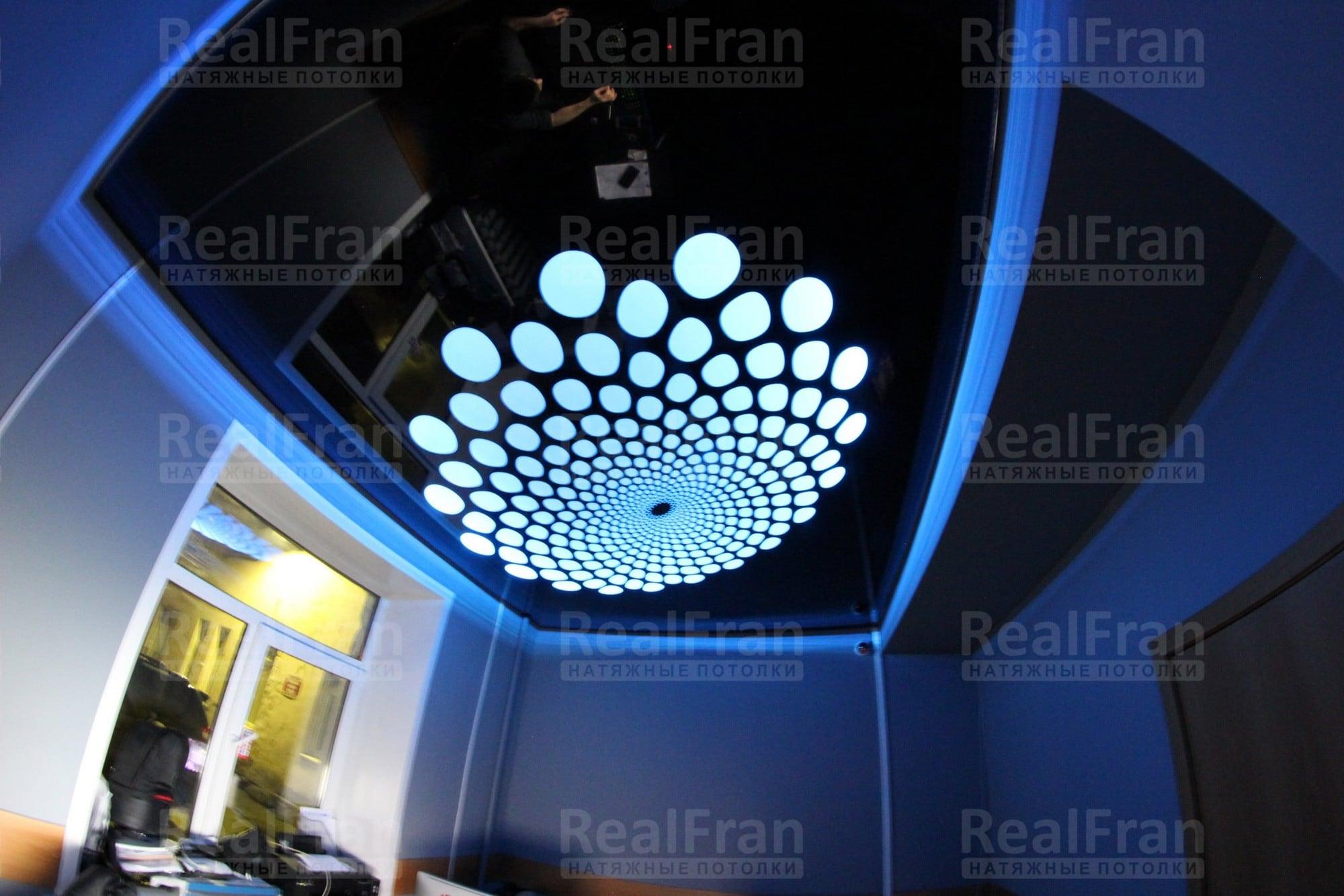 Натяжные потолки РеалФран