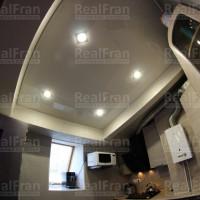 глянцевый потолок для кухни