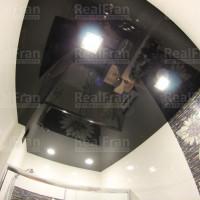 потолок черный лак в ваной