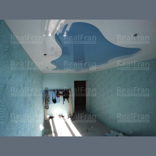 """Двухуровневый комбинированный натяжной потолок """"Клякса"""""""