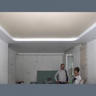 """Двухуровневый натяжной ПВХ потолок """"хоккейная коробка"""" с установкой 1м2"""