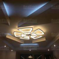 Натяжной потолок с объёмными фигурами из гипсокартона