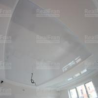 лаковые натяжные потолки фото
