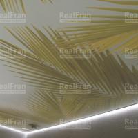 парящий натяжной потолок с фотопечатью