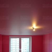 розовый сатиновый потолок