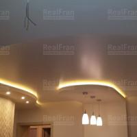 комбинированный сатиновый потолок со светодиодной подсветкой
