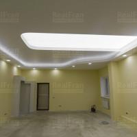 парящий натяжной потолок фонарь фото